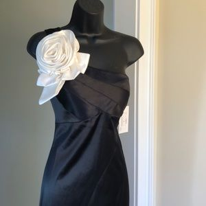 Jovani Dresses - JOVANI sz 6 black and white satin gown prom